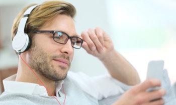 Le Smartphone : ami ou ennemi de notre santé visuelle et auditive ?